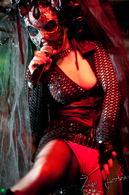 theatres des vampires sonja with mask full