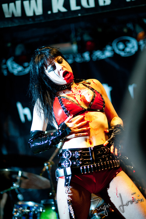 theatres des vampires in eva breznikar sonja in blood