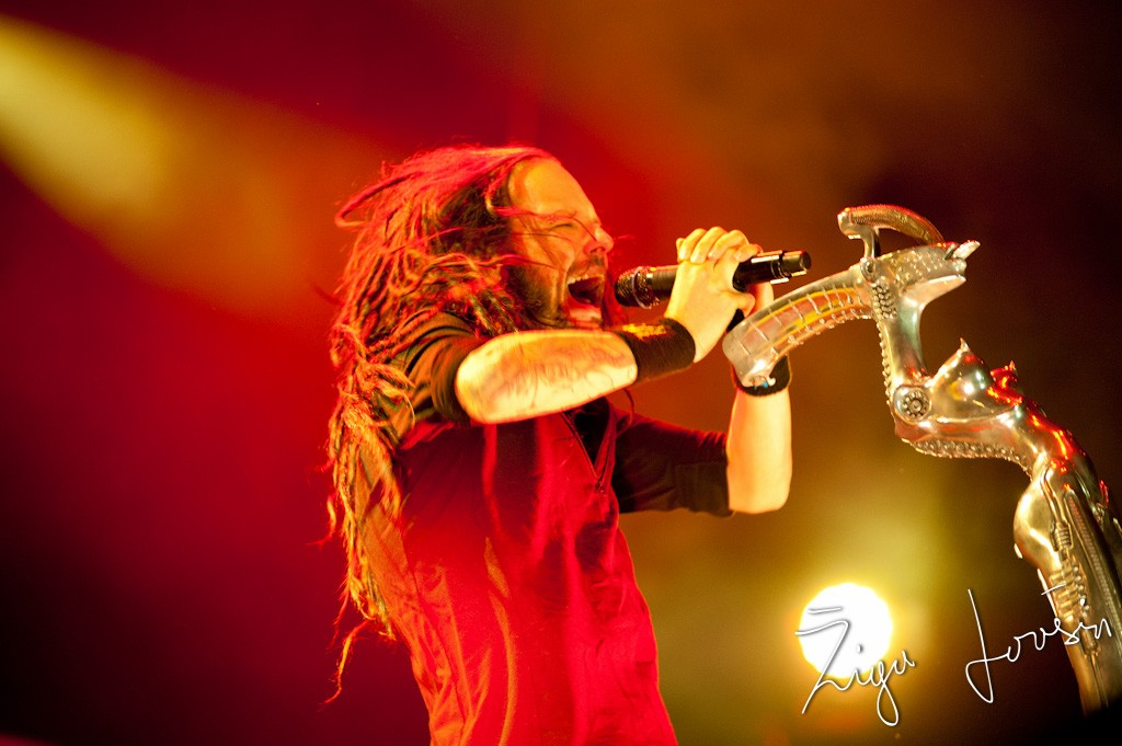 Korn at metal camp 2012, johnatan davis slamming